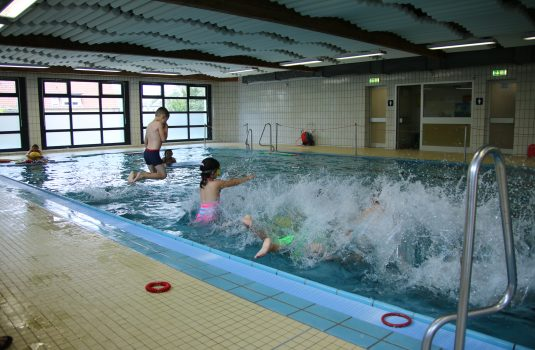 Schwimmbad Gebrüder-Grimm-Schule
